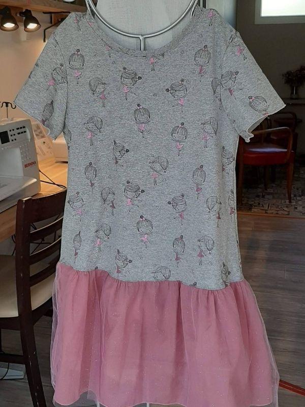 Robe enfant réalisée par une élève pour sa petite-fille - ETOFFE DE SOI - Cours de couture et bar à couture Angers