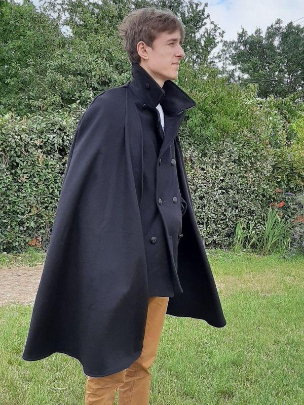 Cape en laine réalisée par un élève - ETOFFE DE SOI - Cours de couture et bar à couture Angers