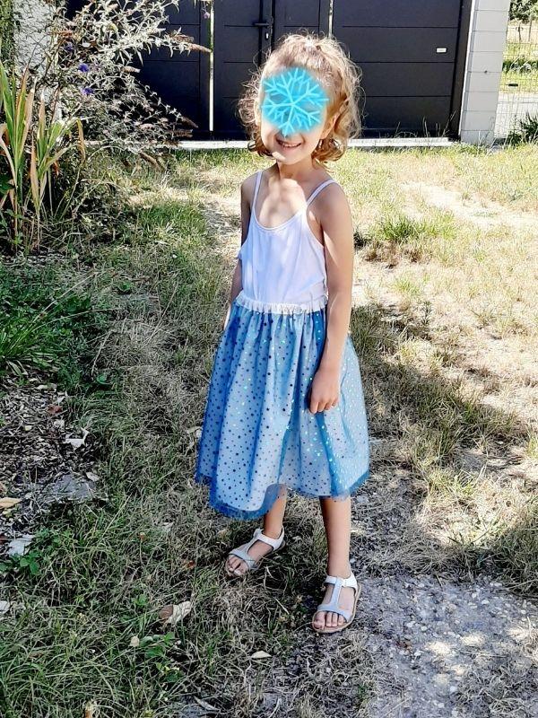 Une jupe à paillette cousue lors d'un cours enfant - ETOFFE DE SOI - Cours de couture et bar à couture Angers