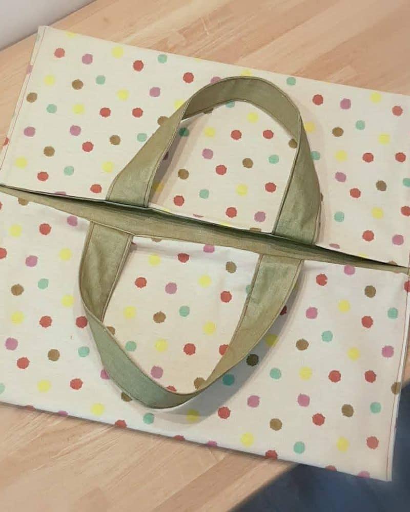 sac-à-tarte-tissu-pois-couture-débutant-accessoire