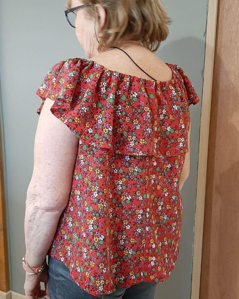 haut-fleuri-style-Bardot-couture-vetements-femme
